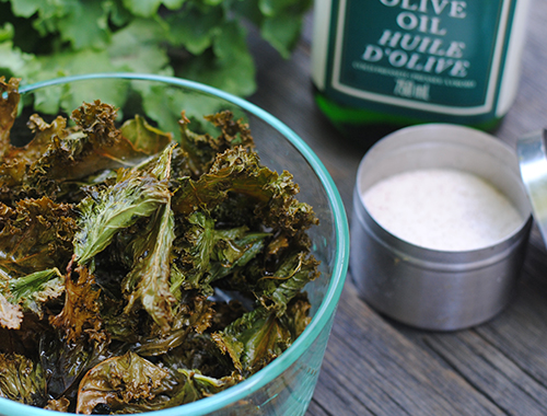 A Recipe for Easy Kale Chips and Traveling Tips from She Let Them Eat Cake.Com