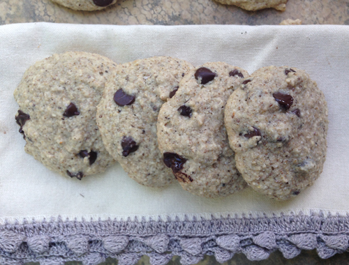 Oatmeal Chocolate Chip Cookies #gfree #vegan from She Let Them Eat Cake.com